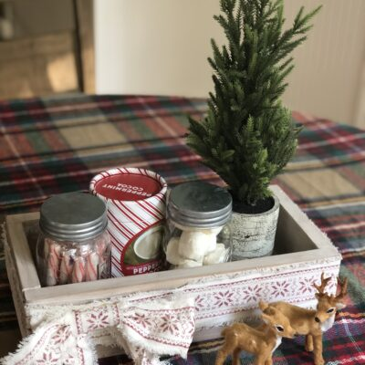 DIY Easy Farmhouse Style Wood Box