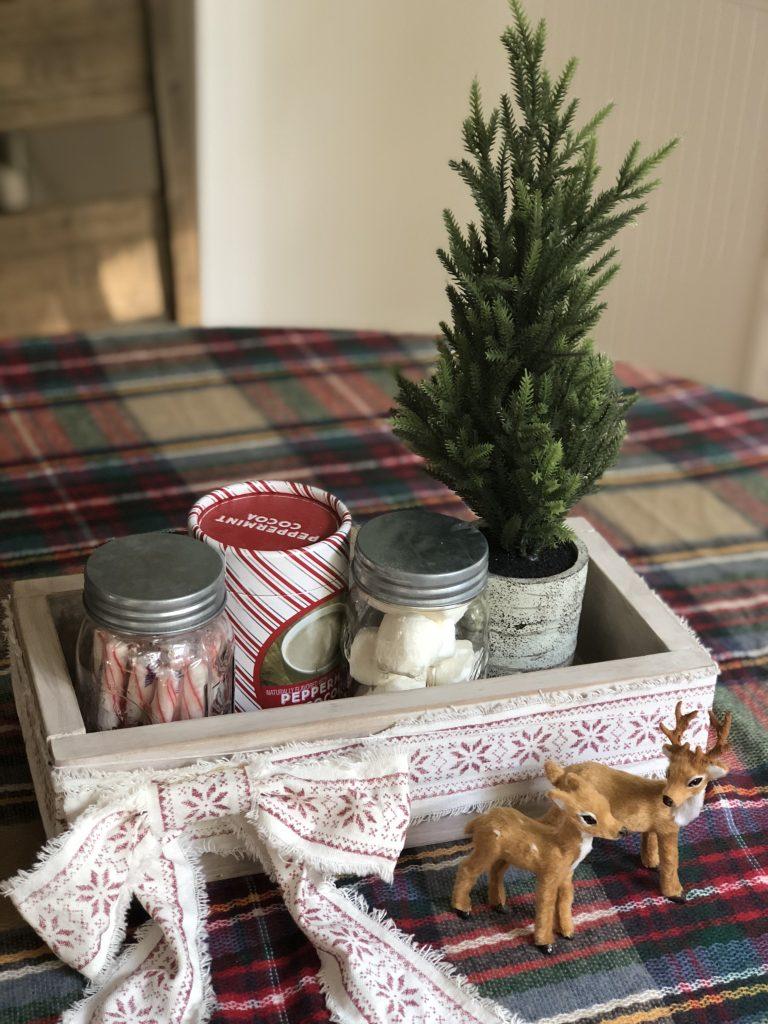 DIY Easy Farmhouse Style Wood Box