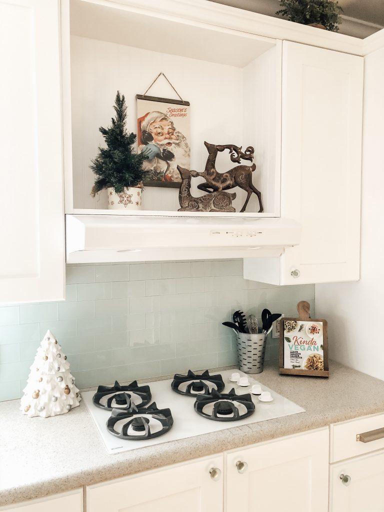 Christmas Coastal Farmhouse Kitchen