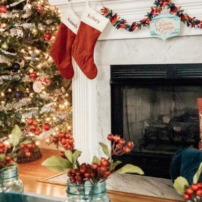 Retro inspired farmhouse Christmas living room.