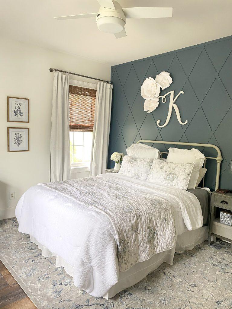 Vintage floral teen bedroom reveal.