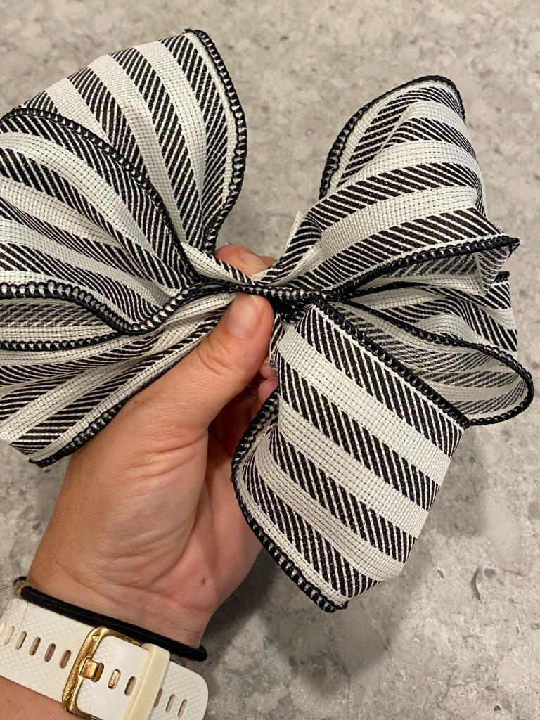 ribbon decor, bow making